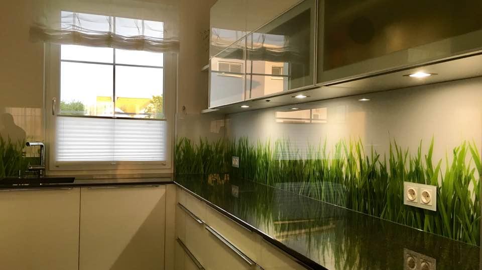 LED Glas HIntergrundbeleuchtung Küche Deltaglas Glaserei Wien