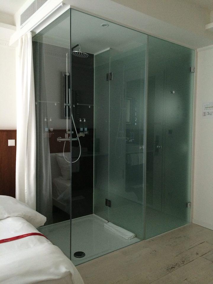glasdusche_hoteleinrichtung_nach_mass